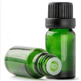 косметические бутылки зеленый Скидка 1/3 унции 10 мл зеленого стекла капельницы бутылки ж / евро капельницы черный Тампер очевидным крышка для эфирных масел ароматерапия косметические контейнеры