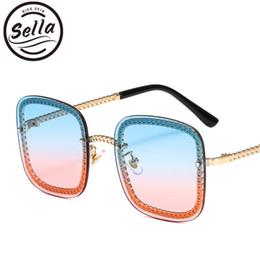 Sella Colorido Oceano Tint Lens Oversized Quadrado Mulheres Óculos De Sol Da  Moda Senhoras Sem Aro Gradiente Lente Liga Quadro Óculos Sombra 7b5ea430aa