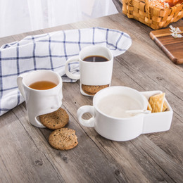 Copos criativos on-line-Ceramic Biscuit Cups Ceramic Mugs Coffee Cup Creative Coffee Cookies Milk Dessert Tea Cups Bottom Storage Mugs 4styles GGA2603