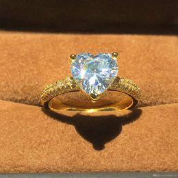 Quilates de oro 14k online-Lujo 14K ORO Joyería de Color Real 925 Anillo de Plata para Mujeres Corazón Romántico 2 Quilates Anillos de Compromiso de Diamantes Simulados