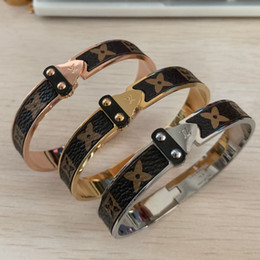 wedding arrow Promo Codes - High quality deluxe european USA 316 L stainless Steel 18K rose gold silver lovers leather flower arrow bangles bracelets for men women boys