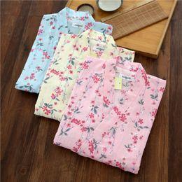 2019 fiori dolci Donna estate Kimono giapponese puro cotone manica corta dolce pigiama di cotone sottile Set Home Wear Yukata Cherry Blossoms Sleepwear sconti fiori dolci