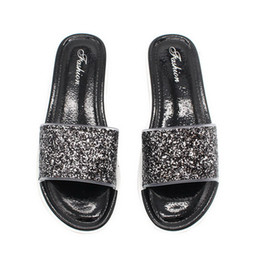 ce7caed59123 Oeak Women Summer Home Slippers Flip Flops Peep Toe Sandals Bling Glitter  Sandals Platform Ladies Shoes 2019 New Fashion