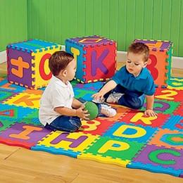 Alfabeto de espuma de brinquedos on-line-A-Z Letras Do Alfabeto Numeral Tapete de Espuma Jogar Mat Colorful Puzzle Kid Educacional Toy