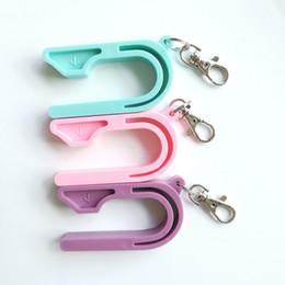 Популярные брелки онлайн-Автокресло Key Ремень безопасности Ключ пряжки для детей Автомобили Кресло Keychains цвета конфеты Популярные Дети Использование Hot Sale 5oyH1
