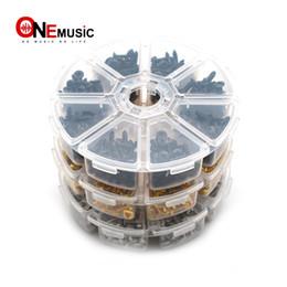 Schraubkasten lagerung online-400pcs E-Gitarre Pickguard Plate Mount Schraube Größe 3 x 12mm Farbe Schwarz / Chrom mit Aufbewahrungsbox Luthier Tool Schraube