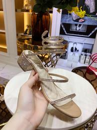 2019 Designer femmes en cuir véritable parti plat mode rivets filles sexy pieds nus chaussures chaussures de mariage Double bretelles sandales hx19052706 ? partir de fabricateur