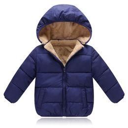 2019 cappotto sportivo dei ragazzi 12 Ragazzi cappotti invernali bambini casual velluto di spessore in giù parka per neonati ragazze bambini sport hoodies abbigliamento bambino giacche tuta sportiva outfit cappotto sportivo dei ragazzi 12 economici