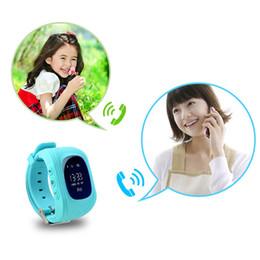 relógio para crianças Desconto Q50 lbs lcd rastreador para a criança smart watch sos chamada de segurança localizador localizador rastreadores smartwatch para crianças dos miúdos anti perdeu monitor whol