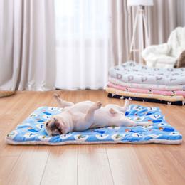 Küçük Köpekler Için pet Köpekler Yatak Paspaslar Aksesuarları Için Pet Köpek Mat Battaniye Sevimli Ayı Baskılı Taşınabilir Sıcak Yumuşak nereden