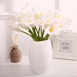 2019 giallo arrangiamenti di fiori di seta Cheap Calla Lily per la decorazione domestica Forniture per feste di nozze Artificiale Mini Calla Bouquet da sposa Bouquet di fiori artificiali DHL LTA002