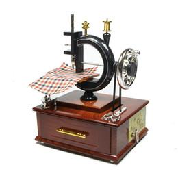 Mécanique Machine à coudre Mécanisme Machine à coudre Boîte à musique Boîte à musique Enfants Jouet cadeau Home Decor boîtes à musique Haute qualité ? partir de fabricateur