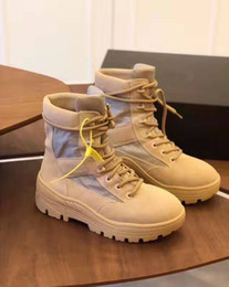 Scarpone di sabbia online-Brand New Combat Boots Stagione 4 Sand Genuine Leather Kanye West New York Street combattimento High-top Luxury Lace-up Scarpe punk Stivali