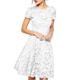 2019 Женщины одеваются Женская мода О-Образным вырезом с коротким рукавом кружевном платье высокого качества Fit и Flare длиной до колен W417 от
