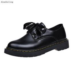 Cuero maduro online-Aleafalling Women Boots Lady Lady Shinny Red Lady Black Leather Botas de fiesta con cordones Moda Zapatos de niña al aire libre