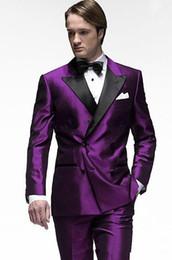 2019 traje de fiesta morado para hombre Nueva moda Purple Groom Tuxedos Groomsmen Wear Excelentes Hombres Actividad Business Suit Party Prom Suit (Chaqueta + Pantalones + Arcos Corbata) traje de fiesta morado para hombre baratos