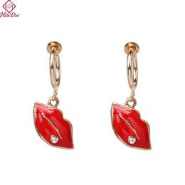 orecchini rossi delle labbra di modo Sconti 2019 Fashion Fun Red Lips Orecchini a cerchio con pendenti per donne Kpop Unico Conch Stella Accessori per orecchini a forma di lettera Ragazze gioielli creativi