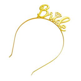 Presentes nupciais para a noiva on-line-Noiva Para Ser Coroa Tiara Headband para Festa de Despedida de Casamento Festa de Chá de Panela Suprimentos Favor Presentes