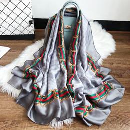 Canada Nouveau printemps été 180 * 70 CM simulation foulard femme soie satin grand nom écharpe femme plage châle écran solaire écharpe en gros Offre