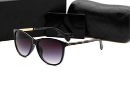 Lunettes de soleil de designer de marque de luxe pour les femmes 1926 classique Summer Fashion Style monture en métal lunettes Top Qualité lunettes UV Protection Lens ? partir de fabricateur