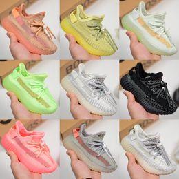 Yeni stiller Shoes Enfants Dökün Çocuklar Tasarımcı Sneakers Kanye West Açık Spor Ayakkabı Beluga 2.0 Yeşil Kil Siyah Statik Refective nereden