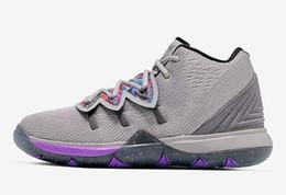 Comprar sapatos de basquete on-line-Melhores Kyrie 5 Graffiti sapatos vendas com sapatos Caixa nova Irving 5 de basquete compras frete grátis Os preços no atacado US7-US12