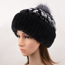 Sombrero de piel de conejo de Rex Mujer Invierno Gorras de piel real con  Pom Pom Bolas de piel de zorro plateado Sombreros Sombrero ruso Cap Gorros  para ... 4ab979956da