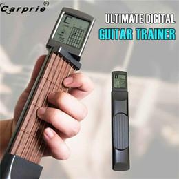 2019 guitarras de prática Instrutor de guitarra final Digital portátil de bolso guitarra Prática madeira 6 Cordas instrutor Ferramenta Gadget para Iniciantes 90606 guitarras de prática barato