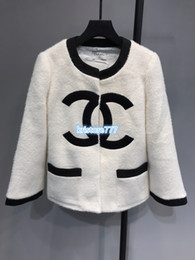 Casaco de luxo mulher lã on-line-Mulheres Moda projeto luxuoso Oversized mistura de lã Jacket Coats High End personalizados Meninas Pista Jogging Jersey letra Camiseta Tops Outwear Jacket