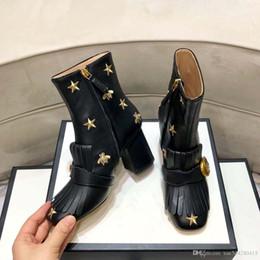 2020 botas de mujer desnuda 2019 Botas de mujer de diseñador, botas de invierno de lujo para mujer, botas de cuero superiores, botas cortas de diseñador de venta sincronizada, tamaño: 35-40 botas de mujer desnuda baratos