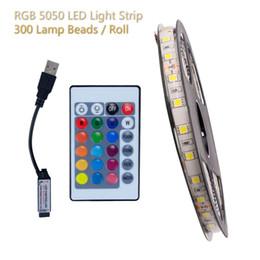 2019 rgb perlen 12V RGB 5050 LED Lichtleiste Weißes Licht Warmweiß Weiche Streifen Universal IP65 Bunter Lichtgürtel 300 Lampenperlen mit Fernbedienung günstig rgb perlen