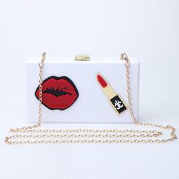 Bolsos blancos negros de la flor online-Caker Brand 2019 Mujeres Acrílico Flor Bolso Labio Rojo Lipstick Negro Blanco Crossbody Bolsas de Hombro Al Por Mayor