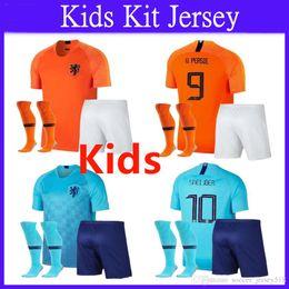 Футбол нидерланды футбол джерси прочь онлайн-:) 2018 2019 Детский комплект New Nederland Soccer Jersey 18 19 Home Orange Netherlands HOLLAND ROBBEN SNEIJDER V. Persie голландский футбол на выезде