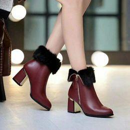 2020 marques noms chaussures talons hauts Vente-Hot Brand Nom Femmes cheville Chevalier Martin Bottes haut talon cheveux lapin vrai Chunky talon Chaussures Chaussures Taille 35-39 marques noms chaussures talons hauts pas cher