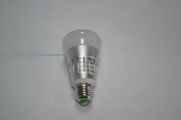 Canada Nouveau Ampoule LED E27 Ampoule LED nature chaude blanc économe en énergie Smart WiFi App Télécommande Lumière pour Alexa Google Offre