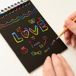 2020 bambini di carta graffi Fai da te Carta di graffiatura Art Notebook Nota Disegno Stick Sketchbook partito dei capretti regalo creativo Immaginazione Sviluppo giocattolo Note bambini di carta graffi economici