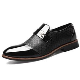 Chaussures hommes 48 en Ligne-Taille 38-48 hommes en cuir verni habillé chaussures crocodile en relief en cuir PU mode hommes chaussures hommes d'affaires de mariage brogue chaussures NNHV-DA