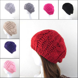 Crochet señoras gorras boina online-Mujeres Señora 8 Colores Cálido Boina de Invierno Trenzado Crochet Knitting Hat Girl Baggy Beanie Hat Ski Cap MMA2345