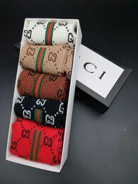 calcetines de bolos al por mayor Rebajas Gucci Unisex para hombre de las mujeres de los hombres calcetines larga carta respirable calcetín de algodón elástico chaussettes Elite Sports calcetín calcetines Medias SCC27-1