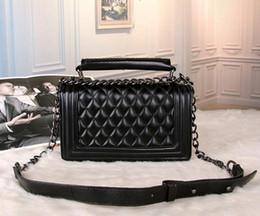bolso azul negro Rebajas Bolso de bandolera de las mujeres Estilo clásico enrejado Marca de moda de lujo Bolso LetterC Bolso cadena de metal Negro Rojo Azul Blanco