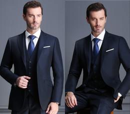 3f50558ce008b Azul marino de solapa Novio Esmoquin 2 botón Hombres trajes Hombre de  negocios traje informal Vestido de doble rendija Delgado vestido de boda  traje ...