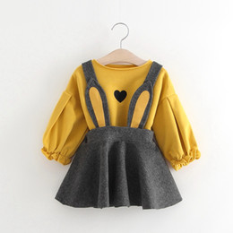 Insiemi dei vestiti del bambino 2pcs insiemi gonna lunga delle orecchie del fumetto Ragazze coreane di modo amano la maglietta T-shirt a due pezzi + pannello esterno 0-3 anni del bambino da vestiti di vecchio stile per le ragazze fornitori