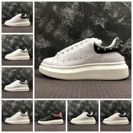 90d6a4eef78 Mcqueens ACE Velvet Black Mens Womens Queen Shoe Beautiful Platform Casual  Sneakers Luxury Designers Shoes Leather Sports Dress sneakers