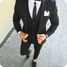 Abiti casual da uomo 2019 Smoking da sposa nero Slim Fit Groom Wear Abiti da sposo Groomsman Costume Homme 3 pezzi (Giacca + Pantaloni + Gilet) da uomini argento gay fornitori