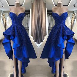 2019 abiti asimmetrici abiti blu royal 2019 Vintage Royal Blue Short High Low Prom Dresses Una linea in rilievo Appliques Sweetheart asimmetrica abiti da sera lunghi abiti asimmetrici abiti blu royal economici
