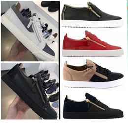 Zapatos de cuero para hombre italia online-Nuevo 2019 hot Italy Brand Low Top Color Matching White Zipper Hombres Mujeres Brand Flat Shoes Zapatos de cuero genuino para hombre Zapatillas de deporte de diseño 35-47