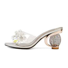 Flores de cristal Mulheres Mulas Sexy Open-toe Verão Chinelos 8 CM Robusto saltos Transparente Superior Embalagem Caixa de Sapatos KL829 de