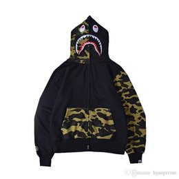 Autumn Winter Teenager Purple Packet Camo Back Splice Hoodies Men s Large Size Yellow Camo Hooded Jacket Sweater