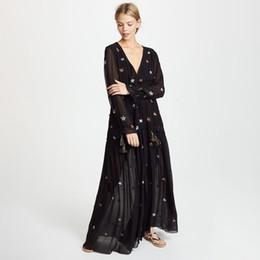 vestido hippie branco preto Desconto Boho star bordado maxi dress 2019 mulheres manga comprida v neck preto branco chique dress laides elegante praia hippie longo dress