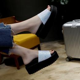 Koreanische high heels rosa online-Mode Pailletten Muffin Hausschuhe Frauen mit dicken Boden Sommer 2019 Neue koreanische Ausgabe Außerhalb Hausschuhe mit Slope Heels und High Heels